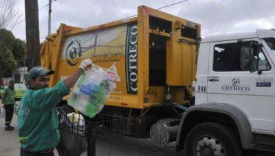 Recolectores de basura consiguen bono de $ 8 mil