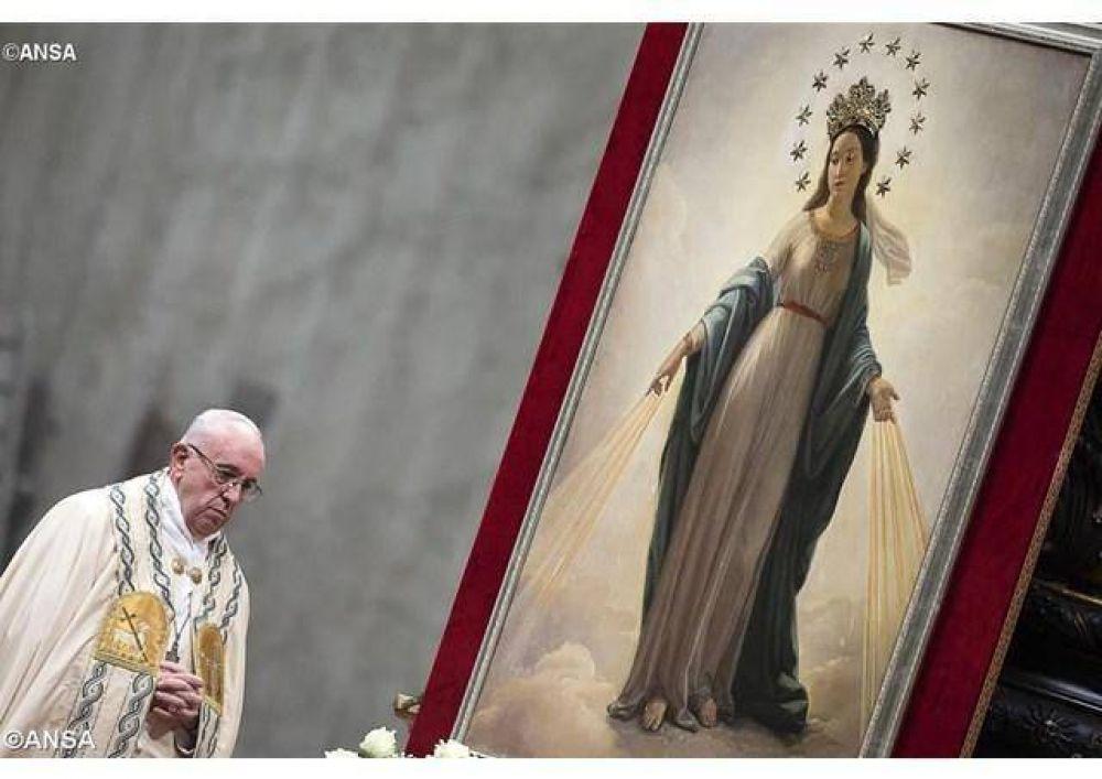 La no violencia: estilo de política para la paz. Llamamiento del Papa al mundo, con su profundo dolor por el atentado en Estambul
