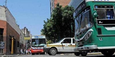 Desde hoy rige el aumento en la tarifa de colectivos y taxis
