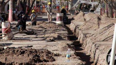 Cloacas, plazas y casas, obras claves en los departamentos para el 2017