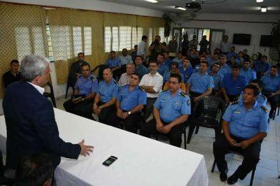Saúl realizó la presentación del área de bienestar policial y penitenciario