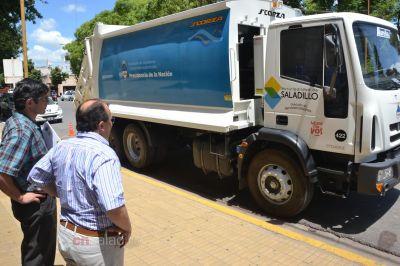 Presentaron un nuevo camión compactador de residuos