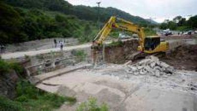 Las obras para prevenir inundaciones continúan en toda la provincia