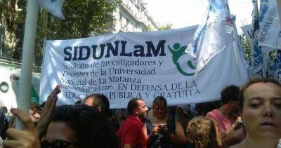 Despidos y persecución en la UNLaM