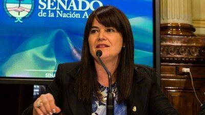 Kunath pide informe a Macri por los despidos en el Ministerio de Educación