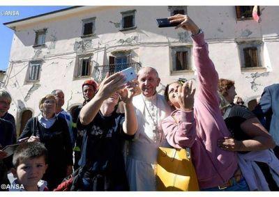 Cercanía del Papa con las personas afectadas por el terremoto en el Centro de Italia