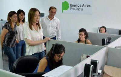 Vidal visitó la sede del servicio telefónico gratuito 144