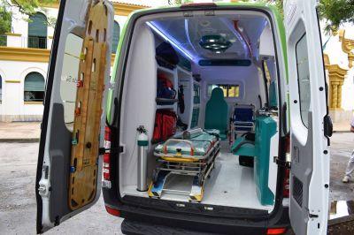 El gobierno de la Provincia de Buenos Aires entregó este martes una nueva ambulancia a la Municipalidad de Chascomús