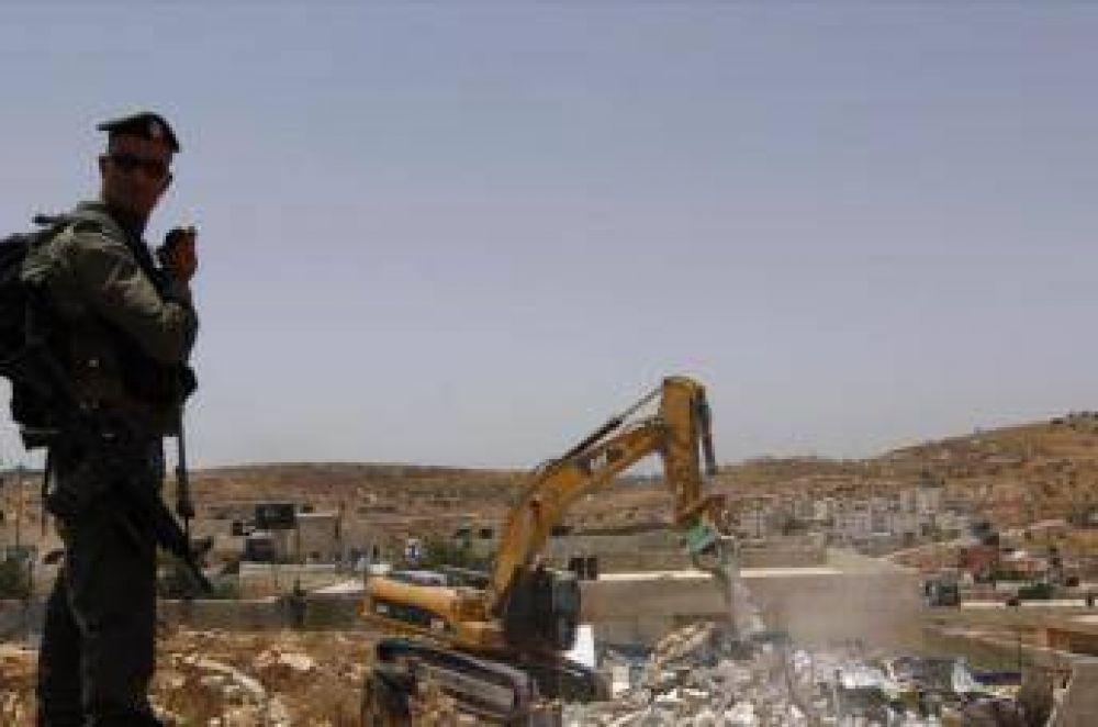 Israel deja sin techo a 87 palestinos tras destruir 11 edificios