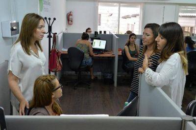 Vidal chequeó el funcionamiento línea telefónica gratuita 144 para casos de violencia de género