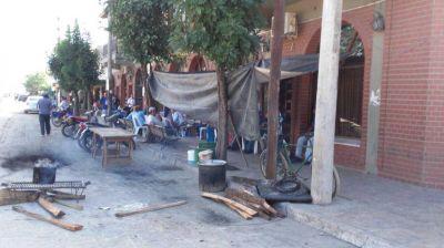 En Salvador Mazza, retomaron el paro municipal