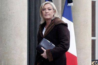 Marine Le Pen busca dinero en entidades extranjeras para financiar su campaña