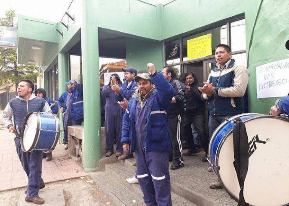 Trabajadores despedidos de YCRT tomaron la sede de ATE