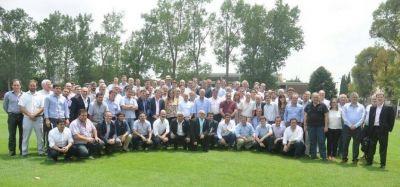 Cumbre de intendentes de Cambiemos: Estuvo Raúl Reyes