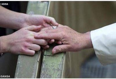 Papa: Para hablar de esperanza a quien está desesperado, hay que compartir su desesperación