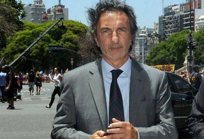 Denuncian al primo de Macri por pago de coimas de Odebrecht