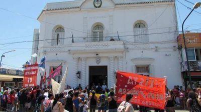 Pilar: Marcha al Municipio por la reincorporación de una trabajadora