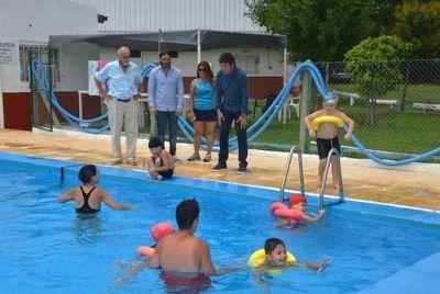 Gustavo Posse visitó las colonias de verano municipales de San Isidro