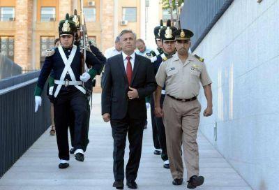 Cornejo quiere a Mendoza en fondo para conurbanos