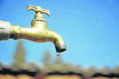 Por reparaciones, habrá cortes de agua en algunos barrios de Capital