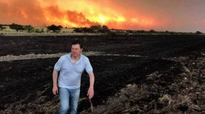 """Coronel Dorrego, Villarino y Puan, los distritos que batallan duro contra los incendios"""""""