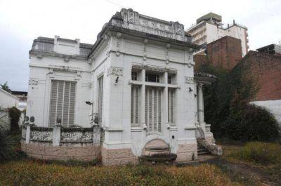 Alperovichistas contra el plan de Alfaro para salvar la casa Sucar: pretenderían facilitarle la demolición al grupo Lucci