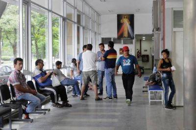 Cooperativas ligadas al poder explotan a trabajadores en los hospitales