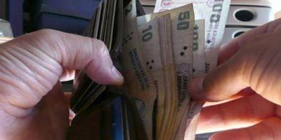 La mitad de los trabajadores argentinos gana menos de $8.000 por mes