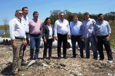 Turismo de la Nación y el presidente del EMSUR recorrieron las obras de remediación del viejo basural