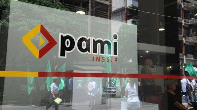 El massismo criticó la decisión del PAMI y un ex ministro kirchnerista la defendió