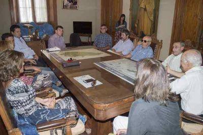 Bertellys encabezó una reunión para analizar el tema del Parque Municipal