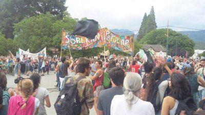 Nueva marcha en Río Negro contra proyecto inmobiliario de Lewis sumó apoyos de todo el país