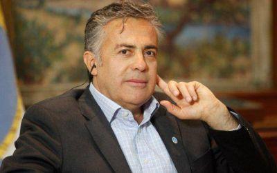 El gobernador de Mendoza se tomará su descanso en Cuba