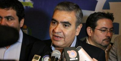 El intendente Alfaro explicó los motivos para quitarle la concesión a Inverbus