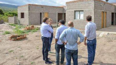Domingo Amaya realizó actividades en Tucumán