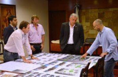 Presentaron al Gobernador importantes proyectos de planificación y arquitectura para la provincia