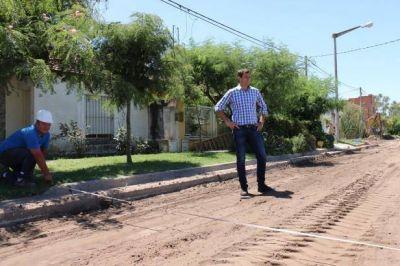 El intendente Bucca encabeza la inauguración del pavimento en Vivanco