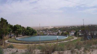 Continúa la falta de agua potable en El Cóndor en plena temporada