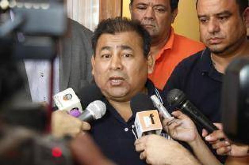 """""""Es imposible"""", retrucó el titular del gremio y legislador oficialista"""