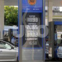 Santa Fe: las estaciones esperan el aviso oficial para la suba de la nafta