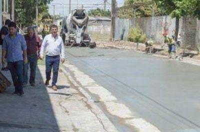 El Intendente recorrió obras de pavimento