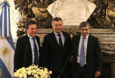 Juramento austero: en cinco minutos asumieron Nicolás Dujovne y Luis Caputo