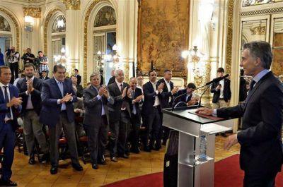 Vaca Muerta: Macri quiere extender a más sectores la reducción del costo laboral