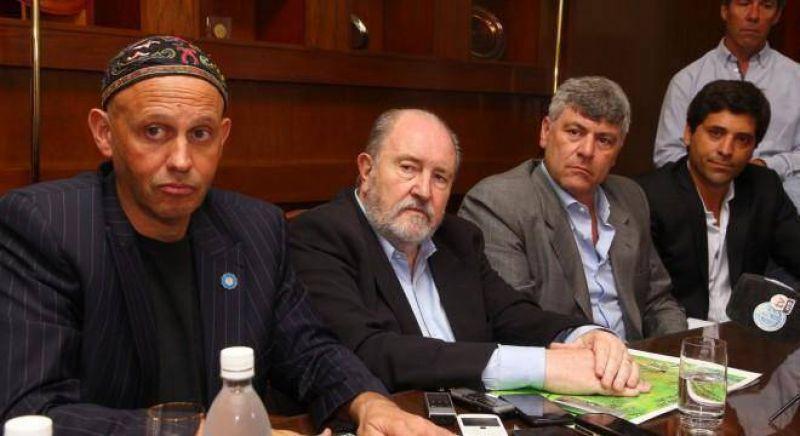 El rabino acusó a Verna por los incendios y el gobernador cortó el diálogo con la Rosada