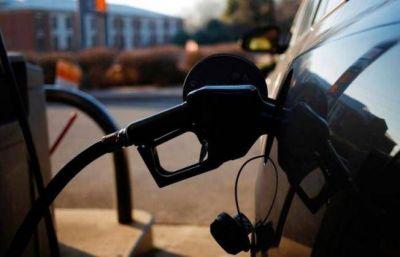 Hubo acuerdo con petroleros y aumentan 8% las naftas