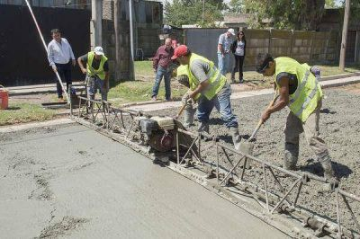 El Intendente Municipal recorrió obras de pavimentación