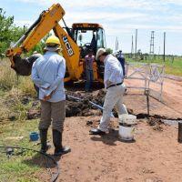 Trabajo de recambio de cañerías de agua en Saladillo