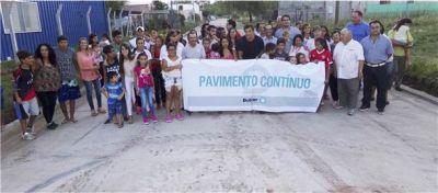 Bucca inauguró pavimento contínuo en Barrio Vivanco