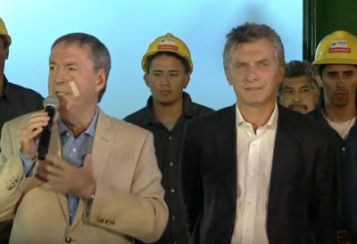 Descuido PRO | Con cascos de Odebrecht de fondo, Macri inauguró una obra