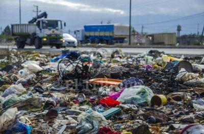La gente tira basura en 200 lugares